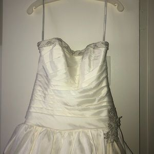David's bridal new wedding gown